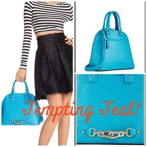 Gorgeous Teal Handbag Perfect for Spring