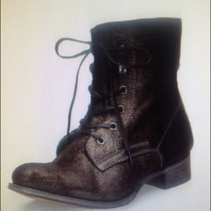 n.d.c. Boots - Brown shimmer lace up boots