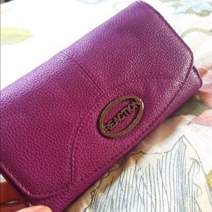 Kenneth Cole Clutches & Wallets - Kenneth Cole Reaction purple / pink wallet, NEW!