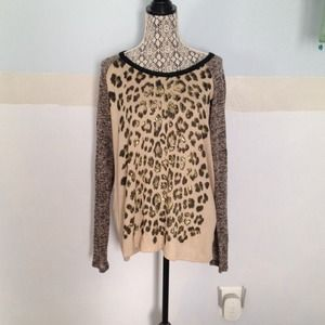 Beautiful leopard top!