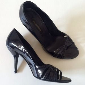 Like new Sergio Rossi classic heels (made in Italy