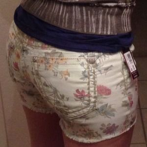 Off white Miss Me cut off shorts w pastel flowers