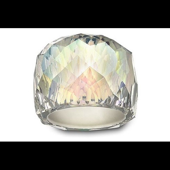 771cacced022cf Authentic Swarovski Nirvana ring. M 534ff82ec003eb07363c9037