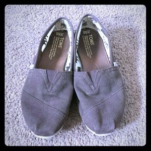 Toms shoes!!