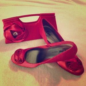 Host PickRed Satin Pumps & Clutch