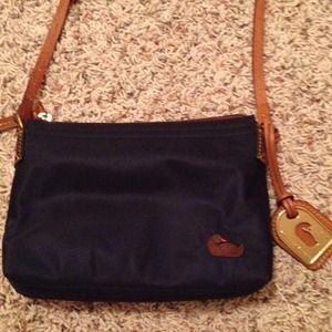 Dooney & Bourke Handbags - Dooney & Bourke Crossbody Purse