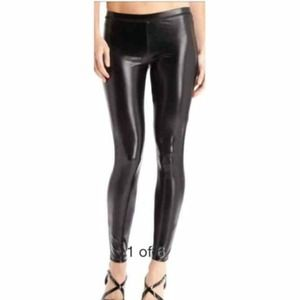 Guess Pants - Leather look leggings