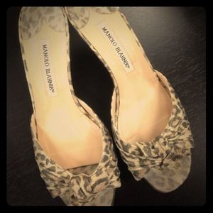 Manolo Blahnik Shoes - Manolo Blahnik leopard slides - used