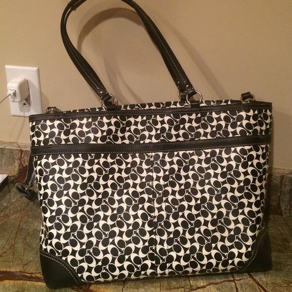 96a1893e4c ... Coach Bags - Black white coach diaper bag.Good condition!