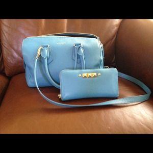 Baby blue henri bendel purse, matching wallet