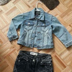 Petite crop 3/4 sleeve denim jacket
