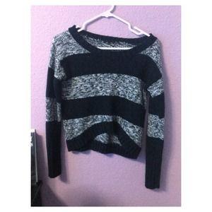 Sweaters - Black & Gray Knit w/ Crop Top Feel