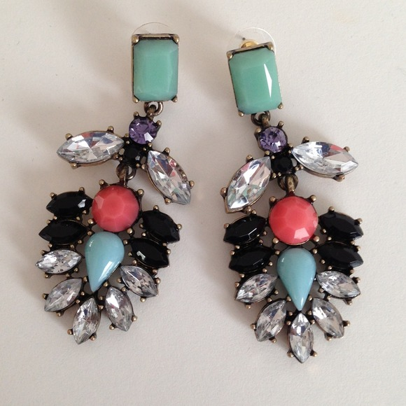 Jewelry - ❗2 COLORS!❗ Gorgeous Multicolor Everest Earrings