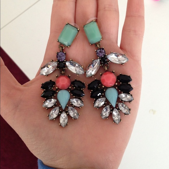 Jewelry - ❗2 COLORS!❗ Gorgeous Multicolor Everest Earrings 2