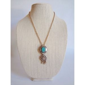 Jewelry - 🆕 Dainty Crystal Mint Necklace