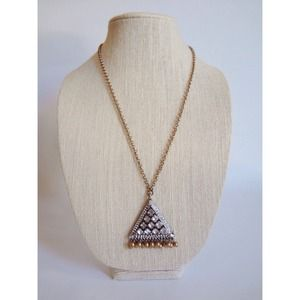 Jewelry - 🆕 Crystal Triangle Pendant Necklace