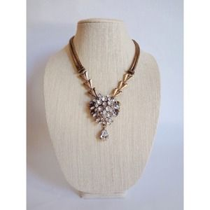 Jewelry - 🆕 Crystal Chevron Link Necklace