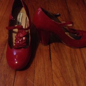 Steve Madden Shoes - Red shoes like new FINAL PRICE!