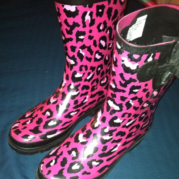 50% off Boots - Size 5 pink and black rain boots ! from Soniya's ...