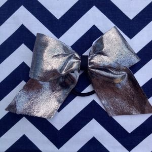 Accessories - Silver Metallic Bow For Bun