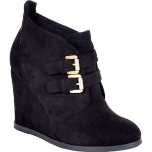 Shoes - Wedge black boots