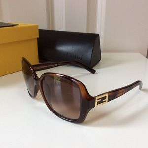Fendi || HAVANA Tortoise Brown Sunnies