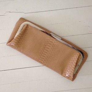 Faux croc clutch in tan