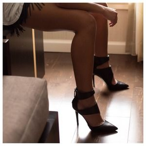 Zara cut out black bootie heels 39 8