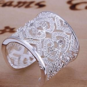 Jewelry - Silver Ring with sparkles