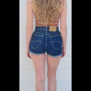 High waist shorts waist 28, hips 38 and rise 13
