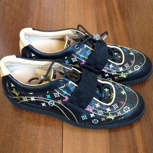 Shoes - Louis Vuitton sneakers
