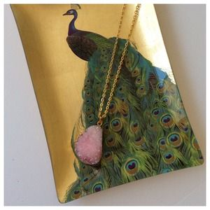 Jewelry - Pink druzy necklace