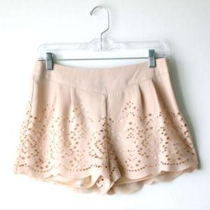 Sabine peach scalloped hem shorts