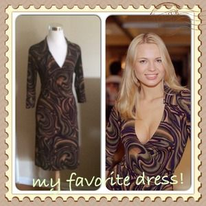 Dresses & Skirts - Abstract print dress size S
