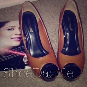 Shoes - Two toned cognac & patent black wedges