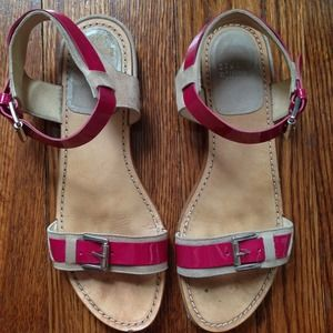 Stuart Weitzman Shoes - Flash Sale! Stuart Weitzman Fuchsia Sandals