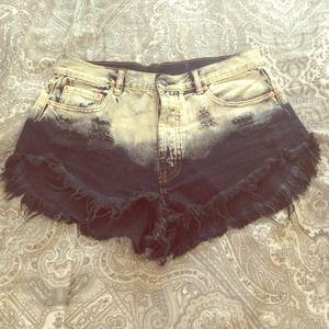 Denim - Two toned cut off shorts