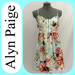 Alyn Paige Dresses & Skirts - 💥Alyn Paige 💕Soft Foral muti-colored Sundress💕