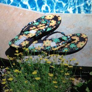 Shoes - Flower sandals🎀