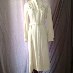 Vintage Chic Cream Dress