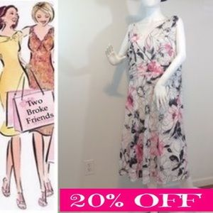 robbie bee Dresses & Skirts - Robbie Bee, floral dress, 18 W, fully lined