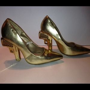 Shoes - Gold pistol heels