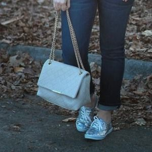 Handbags - White quilted bag