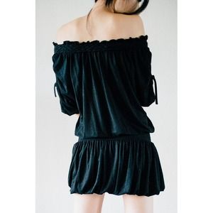 NWOT black off shoulder bubble dress