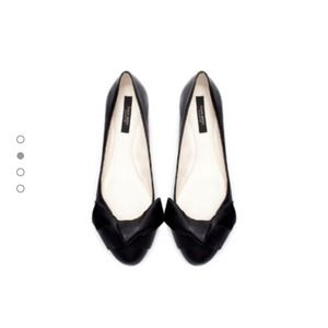New with tags Zara leather bow tie ballerina flats