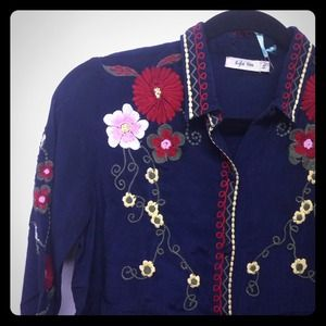 Embroidered Kyla Seo Tunic! S-LG