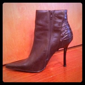 Side zip black leather booties