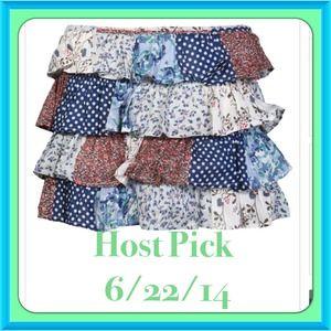 Dresses & Skirts - 🔹Tier patch mini skirt🔹