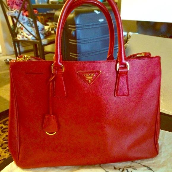 10a6bbd0 Prada Saffiano Lux large tote bag