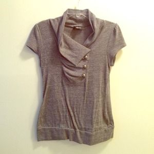 Tops - Gray lightweight sweater with button detail size L